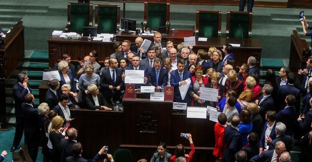 politische_krise_polen_2017